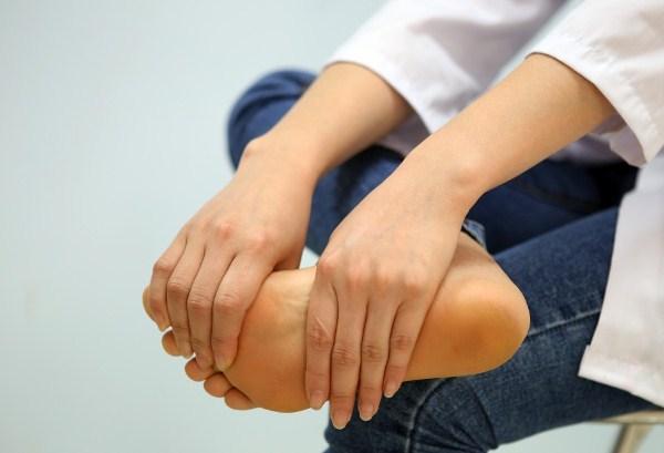 Nguyên nhân gây đau nhức chân