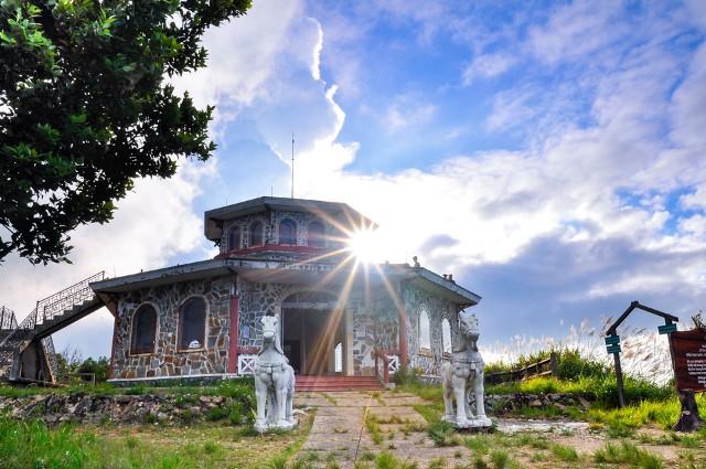 Vọng Đài Hải trên núi Bạch Mã