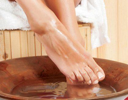 Muối ngâm chân trị đau khớp