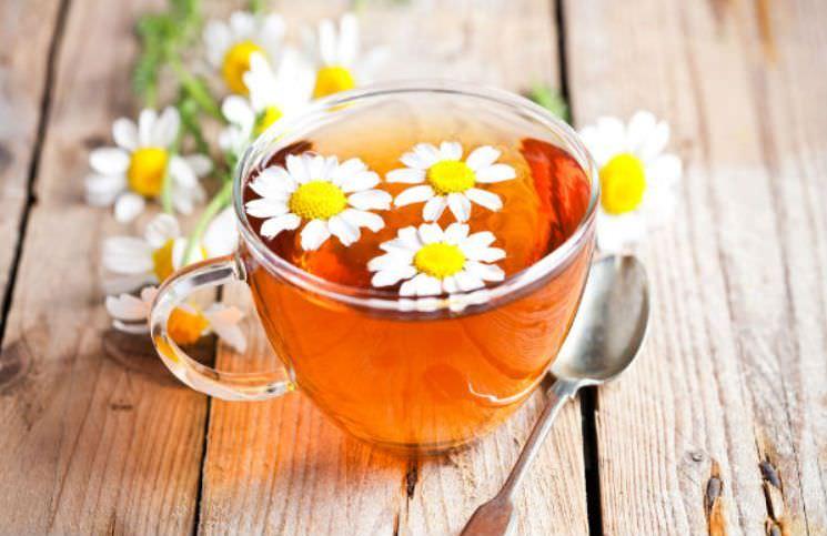 chữa đau nhức xương khớp bằng trà hoa cúc