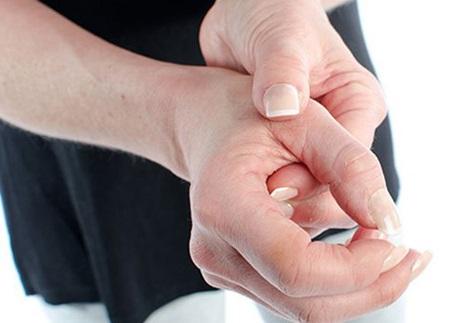 Cứng khớp ngón tay
