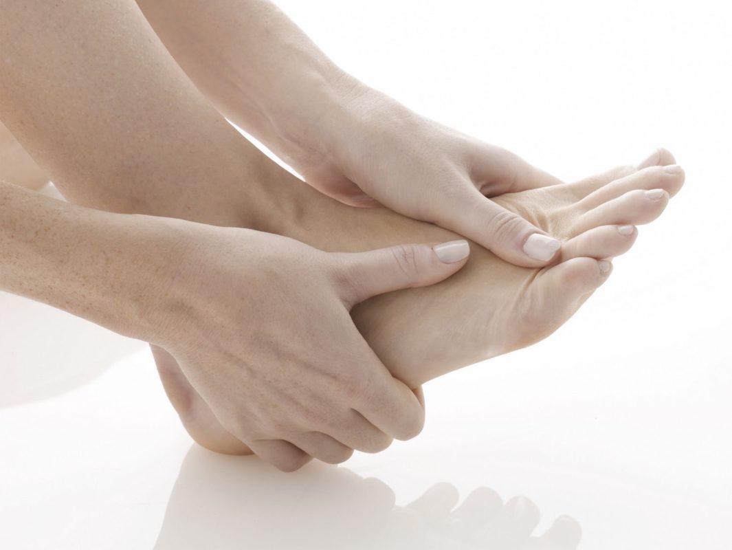 Đau khớp bàn chân