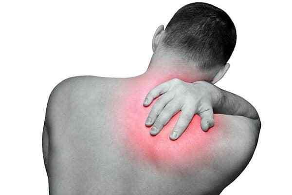 đau vùng lưng trên