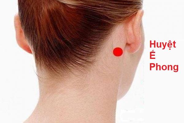 bấm huyệt chữa ù tai