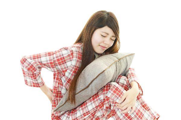 Đau lưng về đêm do ngủ sai tư thế