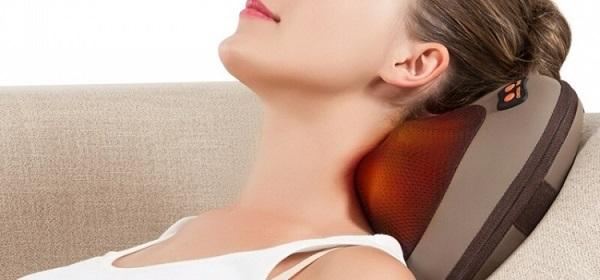 Gối massage hồng ngoại có cách sử dụng khá đơn giản.