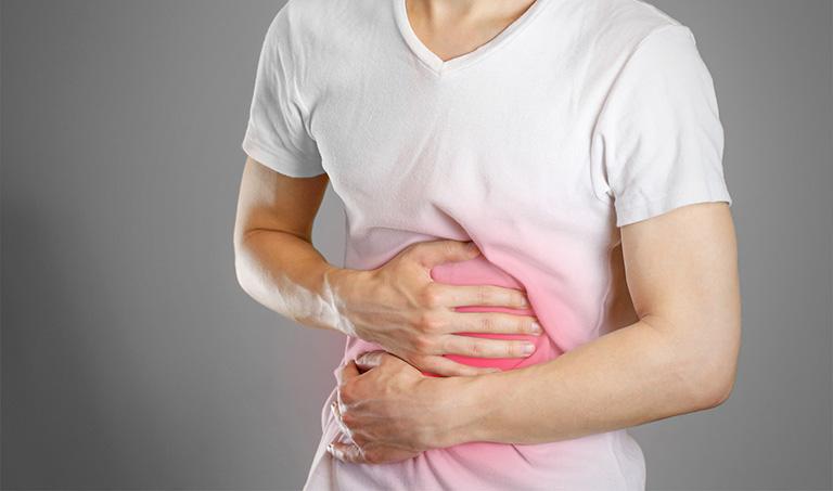 đau bụng trên đau lưng
