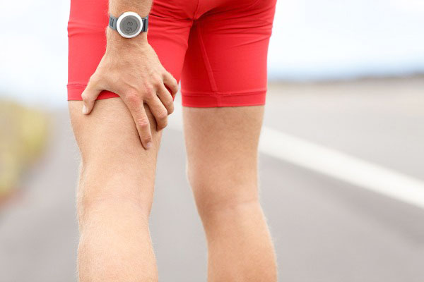 đau từ thắt lưng xuống chân trái