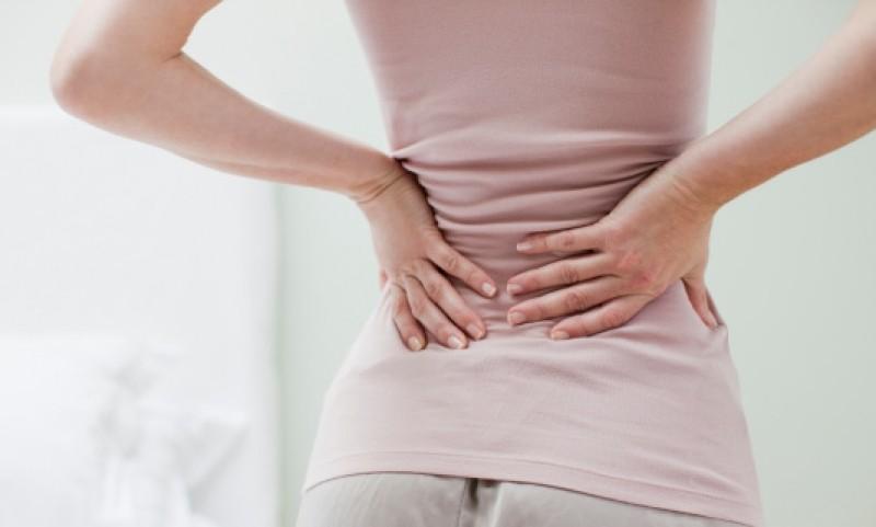 đau lưng sau ngày rụng trứng có nguy hiểm không