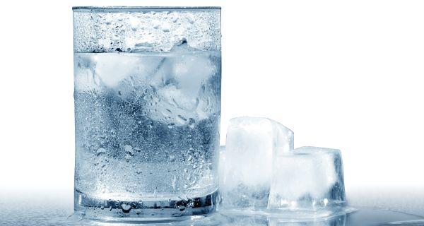 Viêm họng uống nước gì
