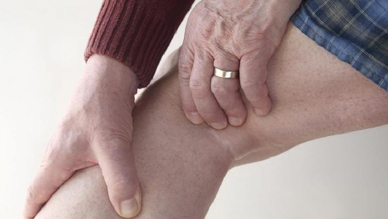 Triệu chứng dấu hiệu của chấn thương dây chằng chéo sau